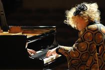 フジコ・ヘミング&ロシア国立交響楽団《シンフォニック・カペレ》