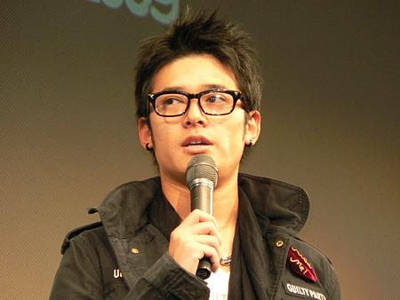 黒ぶちメガネの高岡蒼甫がかっこいい