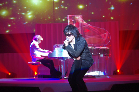 X JAPAN YOSHIKI(piano)とTOSHI(vo)