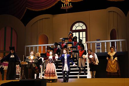 喜劇でオペラの楽しさを」人気テ...