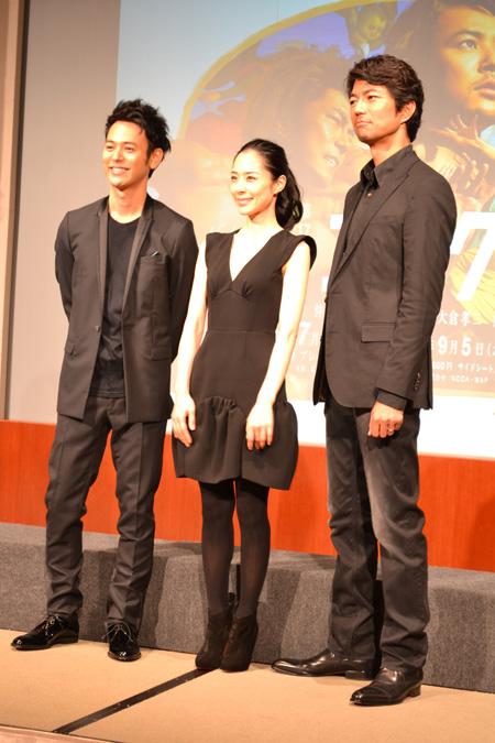 左から妻夫木聡、深津絵里、仲村トオル