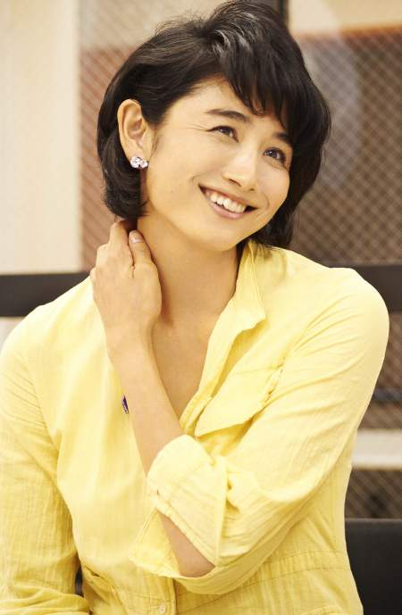 黄色の服小島聖