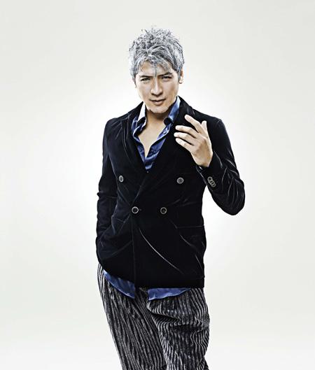精力的に活動をしている吉川晃司
