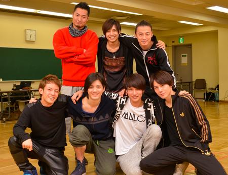 前列左から、飯塚大夢、中村誠治郎、高木万平、根本正勝。後列左から、八木将康、橋本真一、安居剣一郎