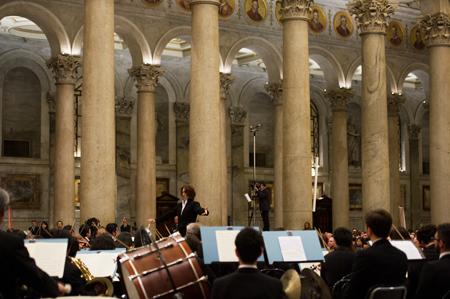 2013年11月10日 サン・パオロ大聖堂 ベートーヴェン「交響曲第9番」演奏の模様 (c)鍋島徳恭