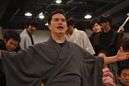 舞台『最後のサムライ』稽古場より。オープニングシーン