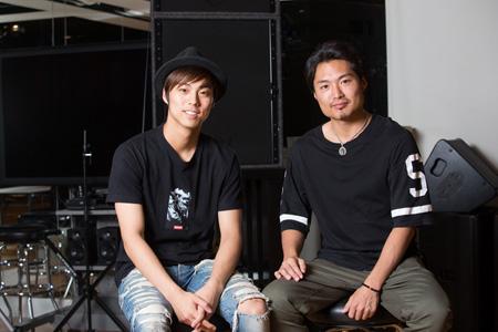 左から、小野塚勇人、八木将康  撮影:石阪大輔