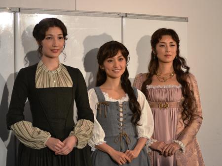 会見より。左から、マイコ、大島優子、高岡早紀