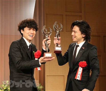 最優秀作品賞、最優秀男優賞をW受賞した『ジャージー・ボーイズ』の藤田俊太郎(演出)と中川晃教(主演)
