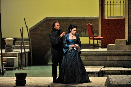 新国立劇場オペラ『オテロ』 撮影:三枝近志 提供:新国立劇場