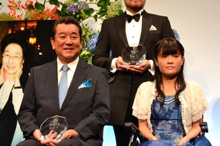 左から、加山雄三、野田あすか