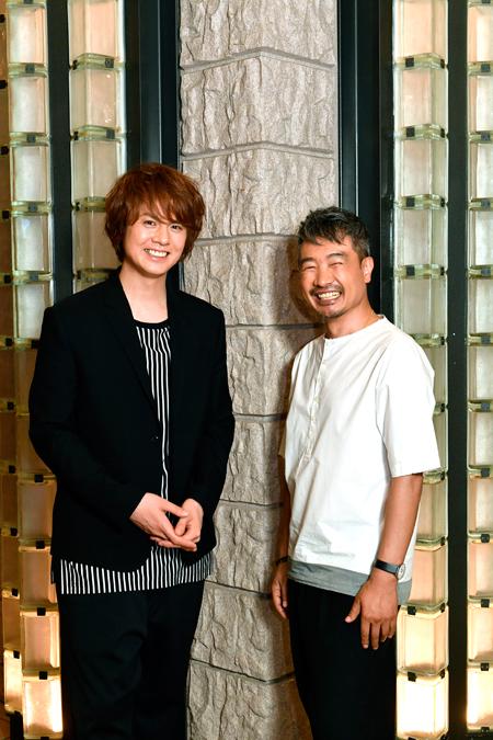 左から、浦井健治、ヤン・ジョンウン  撮影:松谷祐増