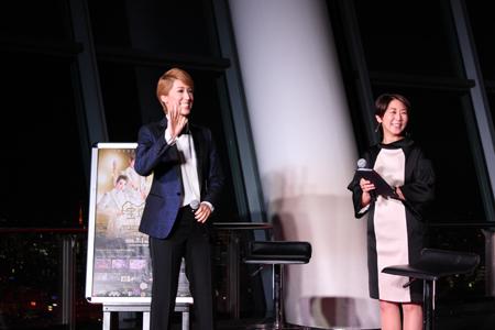 (画像左から)真風涼帆、中井美穂 (C)宝塚歌劇団 (C)宝塚クリエイティブアーツ (C)TOKYO-SKYTREE