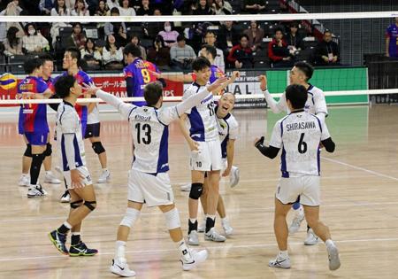 12月16日、FC東京にストレート勝ちし、『天皇杯』ベスト4を決めた王者パナソニックパンサーズ Photo: JVA