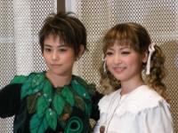 高畑充希(左)、神田沙也加(右)