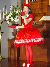 挿入歌『クリスマスの奇跡』を披露したアヤカ・ウィルソン