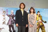 シリーズプロデューサーの小林裕幸氏(左)と石川智晶