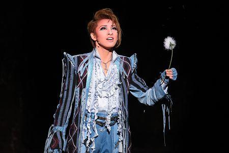 宝塚歌劇雪組 宝塚大劇場公演『ロミオとジュリエット』開幕。撮影:小木野洋也