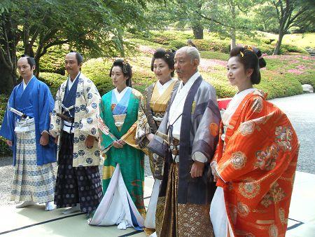 写真左から、田中幸太朗、原田龍二、木村多江、松下由樹、近藤正臣、山口香緒里