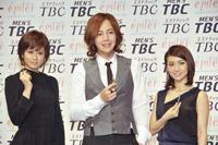 新広告キャラクター起用されたAKB前田敦子、チャン・グンソク、AKB大島優子(左から) 撮影:杉山正直