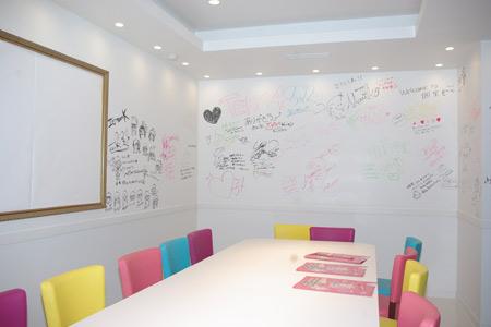 「AKB48 CAFE & SHOP AKIHABARA」の内装