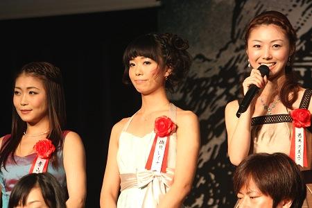 コゼット役 左から青山郁代、磯貝レイナ、若井久美子