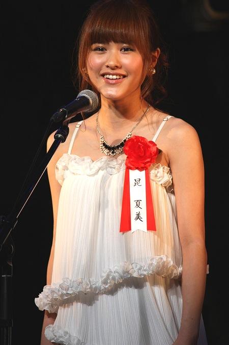 劇中歌「オン・マイ・オウン」を披露した昆夏美