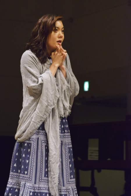 新国立劇場演劇「るつぼ」稽古場より 撮影:吉田タカユキ(SOLTEC)