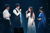 ミュージカル・コンサート『4Stars』より。ラミン・カリムルー、城田優、シエラ・ボーゲス、レア・サロンガ