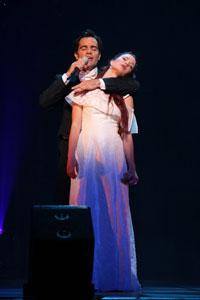 ミュージカル・コンサート『4Stars』より。ラミン・カリムルー、シエラ・ボーゲス