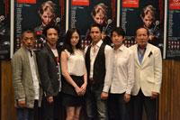 左から、中嶋しゅう、今井朋彦、笹本玲奈、伊礼彼方、浅野雅博、村井國夫