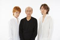 菅田将暉(写真右)、蜷川幸雄(中央)、ジュリエット役の月川悠貴(左)