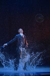 ミュージカル『SINGIN'IN THE RAIN~雨に唄えば~』 撮影:阿部章仁