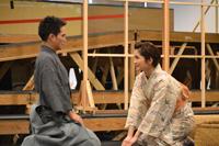 舞台『最後のサムライ』稽古場より。継之助(市原隼人)とその妻・おすが(岡本玲)