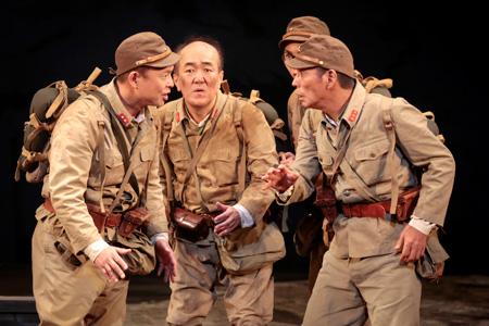 舞台『七人ぐらいの兵士』 撮影:須佐一心