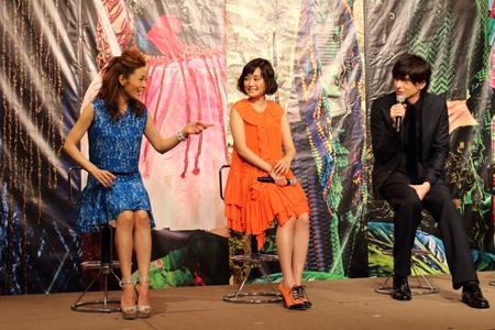 左から、マルシア、大原櫻子、城田優