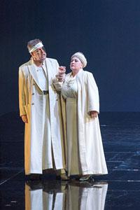 新国立劇場オペラ「ラインの黄金」 公演の模様 撮影:寺司 正彦/提供:新国立劇場