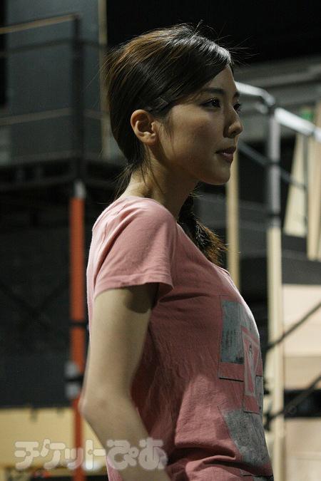 真野恵里菜(RED)