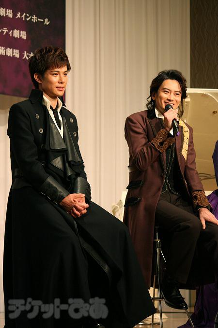 左から、柿澤勇人、小西遼生