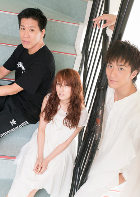 左から、伊藤今人、梅田彩佳、大貫勇輔  撮影:川野結李歌