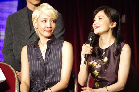 左から、柚希礼音、島田歌穂