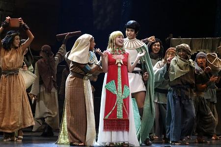ミュージカル『王家の紋章』より 写真提供:東宝演劇部