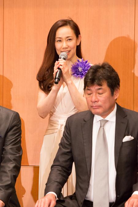 紫とも  撮影:石阪大輔