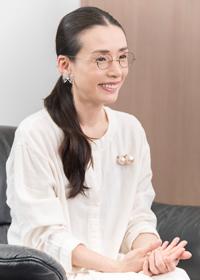 中嶋朋子 撮影:川野結李歌