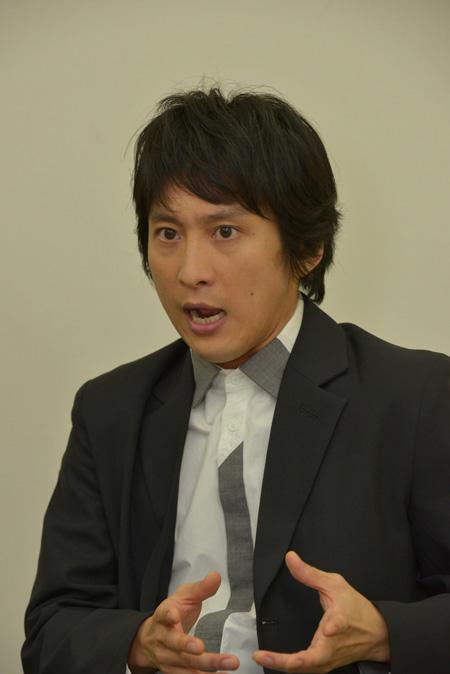 成河 撮影:源 賀津己 ヘアメイク:高橋幸子 スタイリング:市川みどり(ルミナス)
