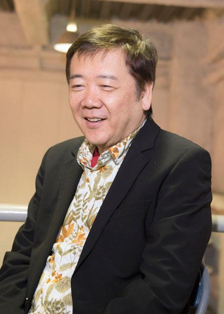 鴻上尚史  撮影:川野結李歌