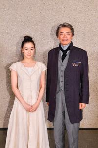 (画像左から)蒼井優、生瀬勝久 撮影:阿部章仁