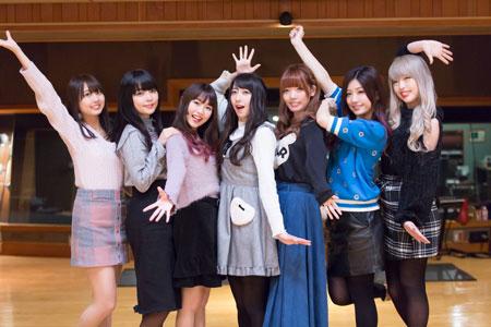 左から、かな、りえ、せな、るか、わか、りすこ、ゆな  撮影:石坂大輔