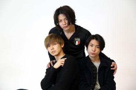 左から、猪塚健太、青柳尊哉、内田健司  撮影:交泰