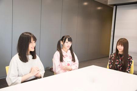 左から、高松瞳、齊藤なぎさ、大谷映美里  撮影:川野結李歌